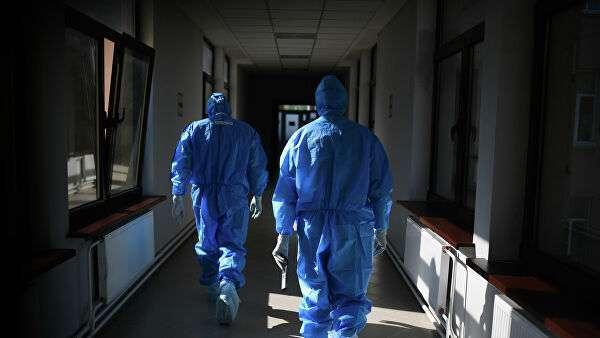 Врачи в госпитале COVID-19 в ЦИТО им. Н. Н. Приорова