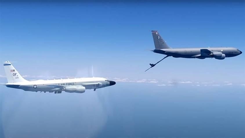 Минобороны показало перехват истребителем Су-30 трех американских самолетов над Черным морем