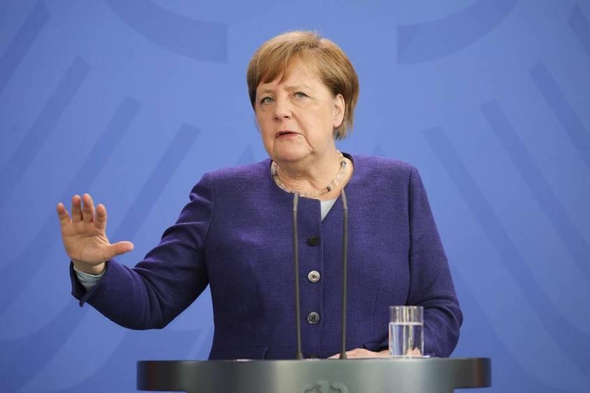 Меркель отреагировала на санкционные угрозы США