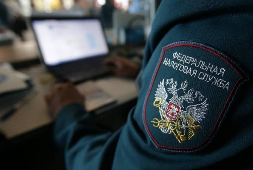 В России введут НДС на программное обеспечение, Илон Маск против Амазона и Байкал в Линуксе