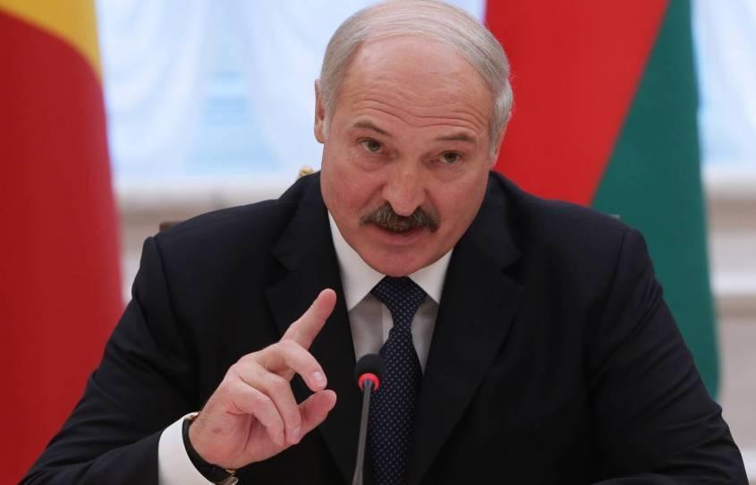 Лукашенко рассказал белорусам, как им все вокруг завидуют и какое счастье им досталось