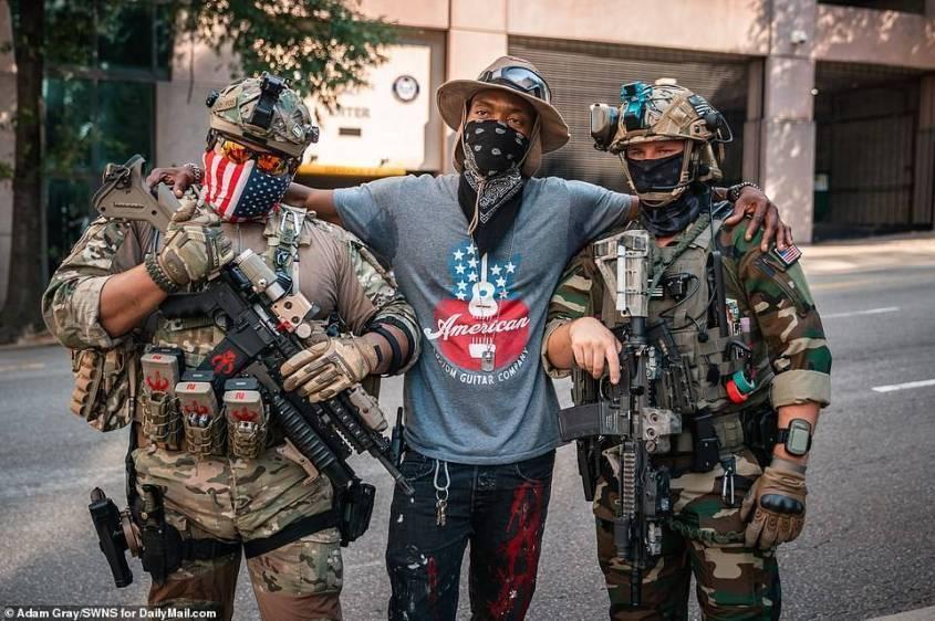 Митинг «Черных пантер». Вооруженные негры за свержение власти белых в США