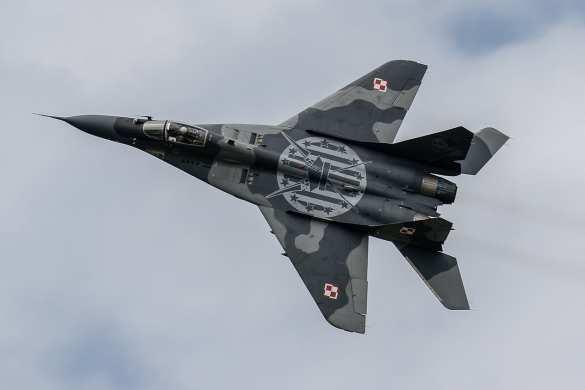 Украина нанесла удар по обороноспособности Польши, взяв в заложники их МиГ-29 | Русская весна