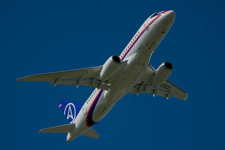На самолете SSJ 100 начались испытания российской навигационной системы БИНС-2015