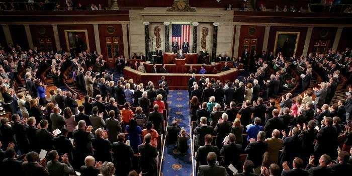 Конгрессмены США требуют остановить сотрудничество с Украиной