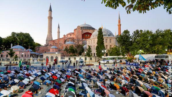 Перепрофилировав храм Эрдоган бросает вызов в том числе и России