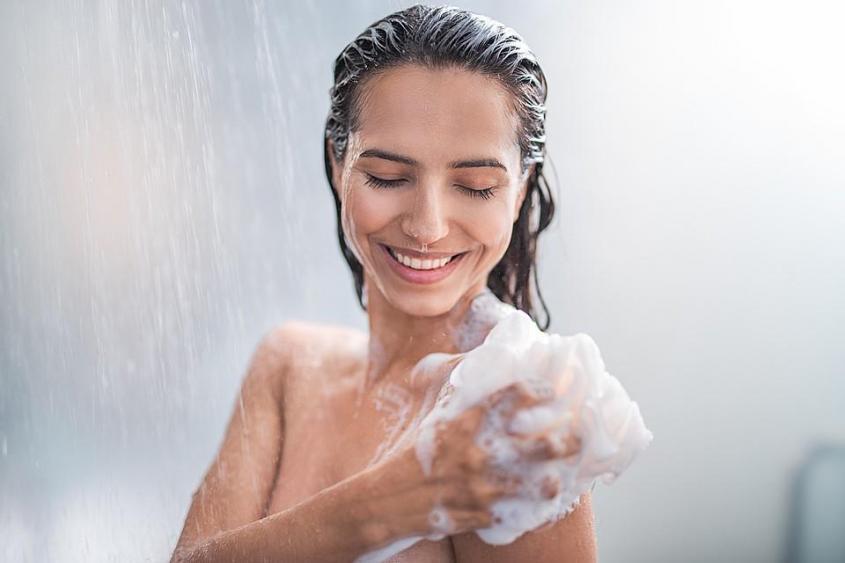 Чрезмерная любовь к водным процедурам может спровоцировать появление экземы у людей, у которых есть генетическая предрасположенность к этому заболеванию
