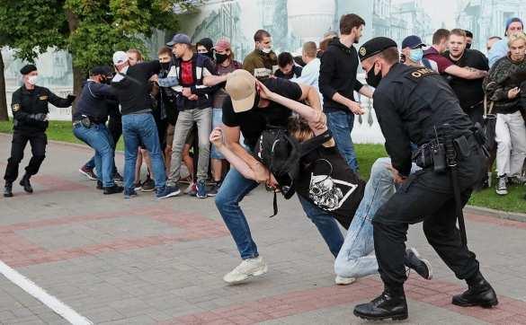 Белоруссию охватили массовые протесты против Лукашенко | Русская весна