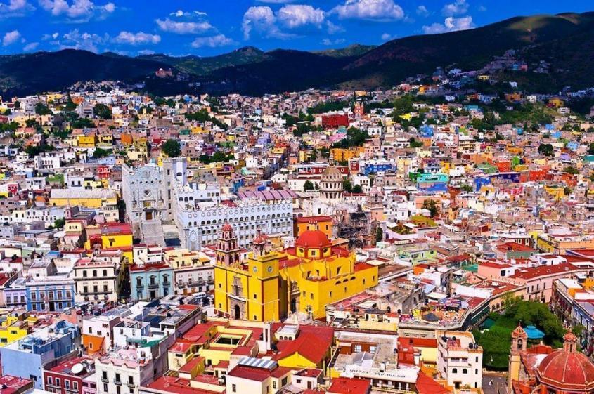 Зачем ВОЗ и Анна Попова толкают россиян на посещение Мексики: за болезнями?