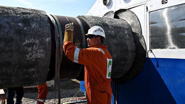 Рабочий на участке строительства газопровода Северный поток – 2