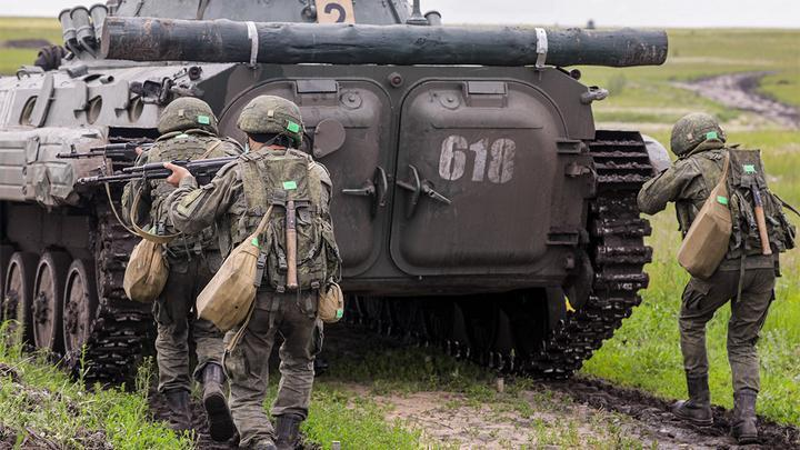Россия прикрыта со всех сторон, и НАТО это бесит – Кнутов
