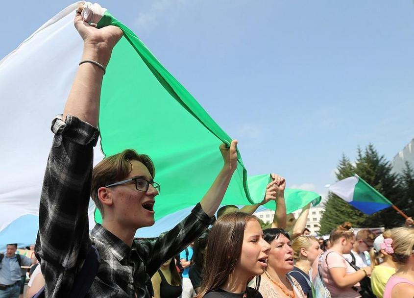 Кто выводит Хабаровск на протесты? И платят ли людям за это деньги? Фото: REUTERS