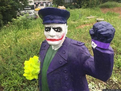В Праге подонки глумятся над памятью Маршала Конева