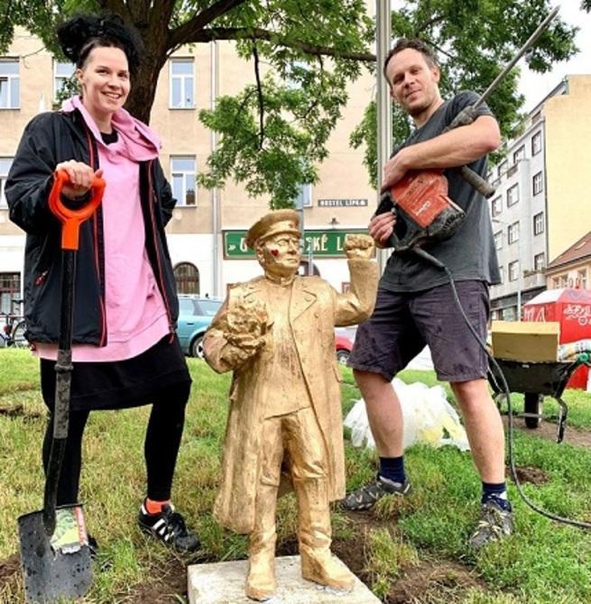 В Праге русофобы подонки глумятся над памятью Маршала Конева