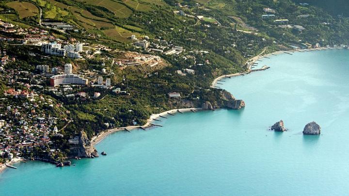 Крым с начала июля принял миллион туристов и готовит акционные предложения