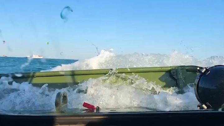Авария с БМП, утонувшей в Керченском проливе, попало на видео