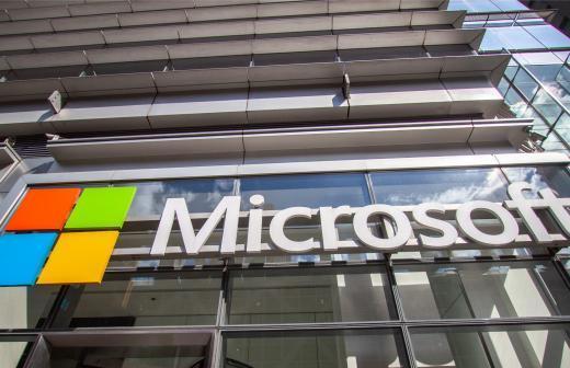 Microsoft принудительно обновит старые версии Windows 10