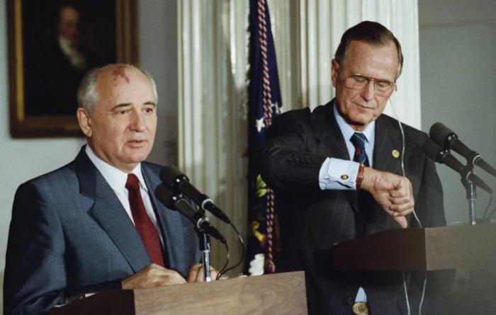 Что на самом деле говорил Джордж Буш о развале СССР, России и Украине?