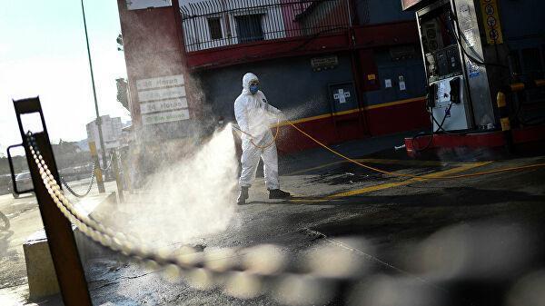 Дезинфекция на автозаправочной станции в Каракасе