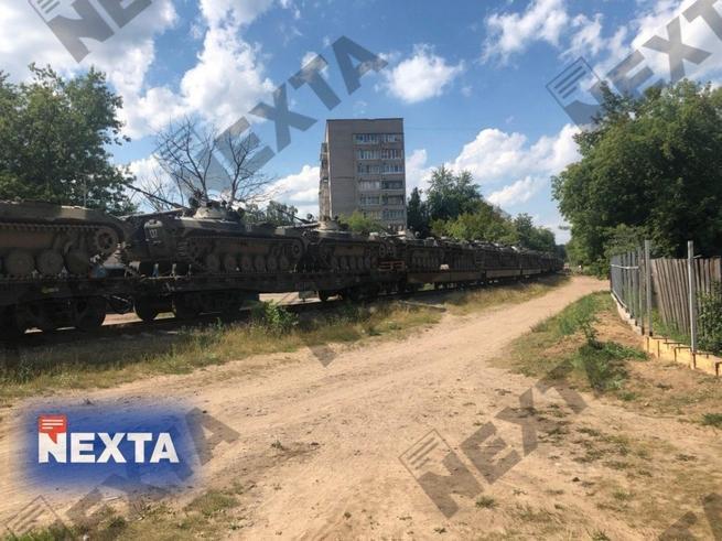 Белоруссия закрывает границу с Россией, в Минск стягивают войска и бронетехнику