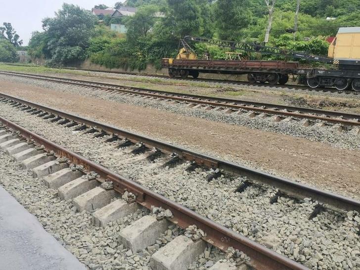 На Сахалине завершили перешивку железнодорожной колеи на общероссийский стандарт