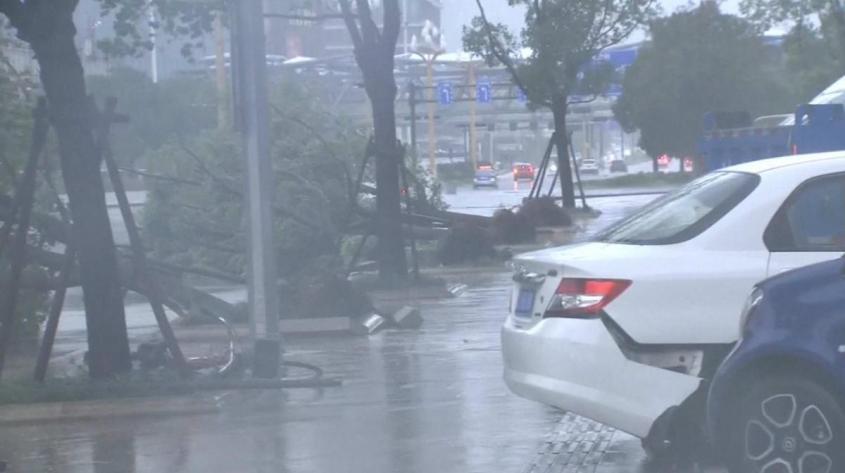 Тайфун «Хагупит», который уже бушует у побережья Китая, скоро обрушится на Приморский край