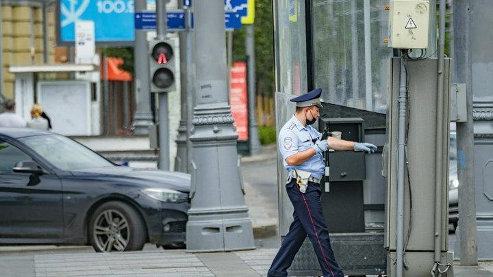 «Всех русских выгнать» – в Москве толпа мигрантов набросилась на полицию. О чём кричали «гости»