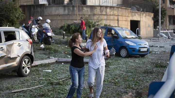 В результате мощного взрыва в Бейруте пострадало здание посольства России в Ливане