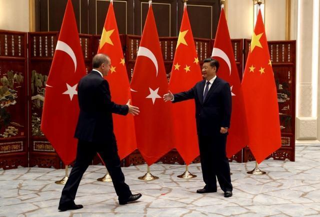 Президент Реджеп Тайип Эрдоган встретился с Президентом Китайской Народной Республики Си Цзиньпином в гостевом доме штата Сиху в китайском городе Ханчжоу перед саммитом G20. 2016
