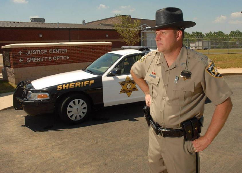 Знаете ли вы, что американский шериф вовсе не полицейский? И кто он на самом деле?