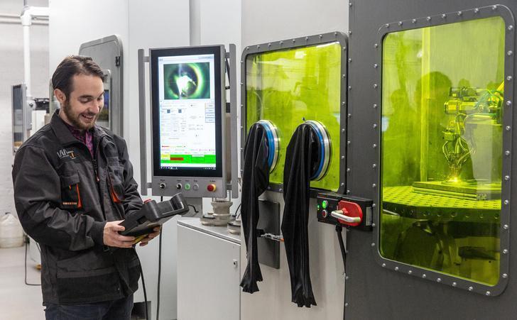 Серийное производство установок лазерного выращивания деталей кораблей начали в Петербурге