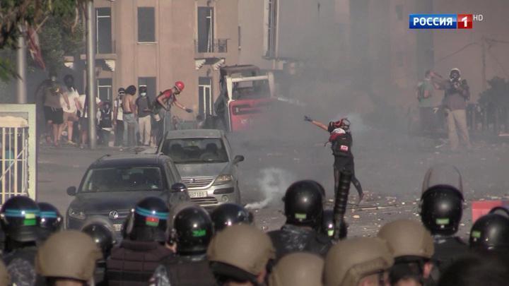 Протесты в Бейруте быстро превратились в массовые беспорядки