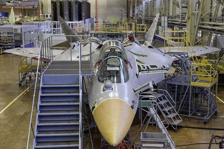 Второй серийный образец пятого поколения Су-57 на завершающей стадии сборки