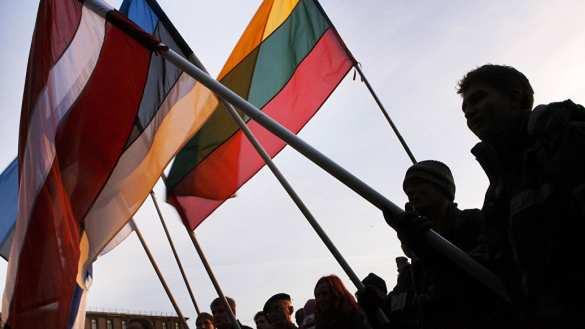 Страны-вассалы США пытаются подняться за счёт нападок на Белоруссию | Русская весна