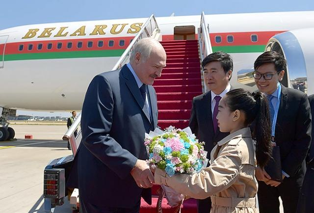 Александр Лукашенко во время визита в Китай