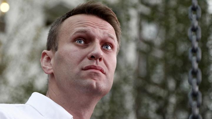 Провокатор Навальный экстренно госпитализирован в Омске с отравлением