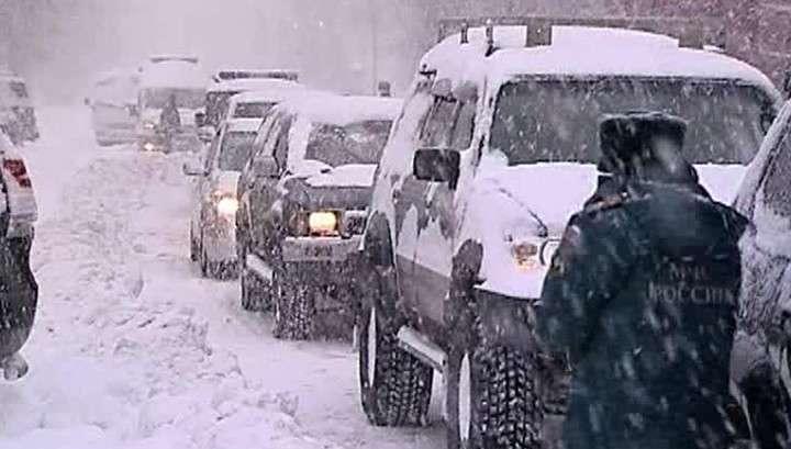 Хабаровск откапывают из-под снега
