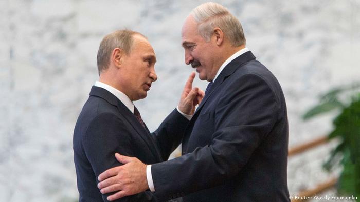 Путин подставил плечо Лукашенко. Взамен на что?