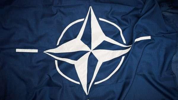 Флаг НАТО Архивное фото