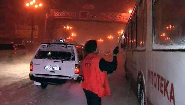 Последствия снегопада в Хабаровском крае ликвидируют более 30 тысяч человек