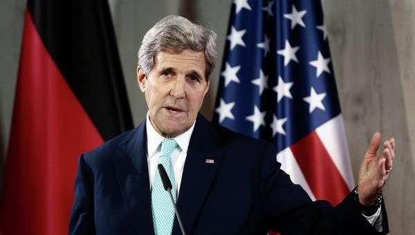 Попугай Керри вновь обвинил Россию в отправке солдат на Украину