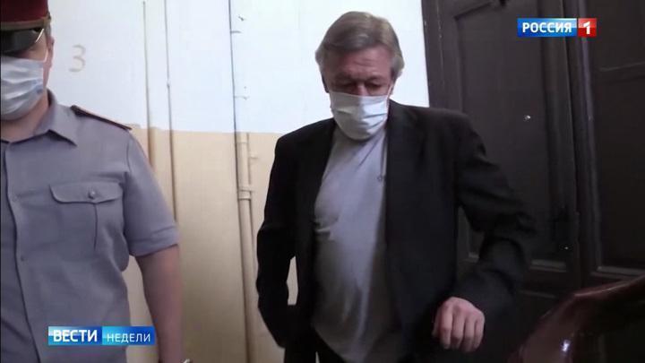 Ефремов сядет но суд над ним превратился в фарс на крови