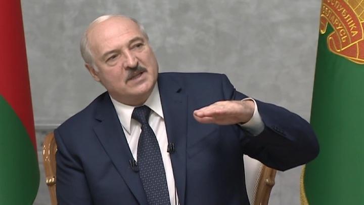 Лукашенко: мои слова, что нам с Путиным придется отстреливаться спиной к спине, уже не шутка