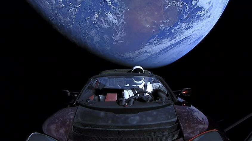 Отправленный дурачком Илоном Маском в космос электромобиль Tesla признали мусором