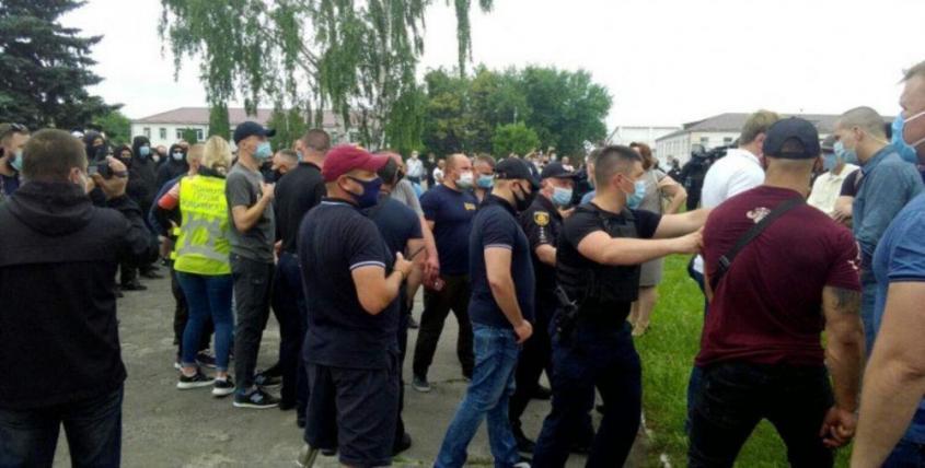 Начало драки в Березном