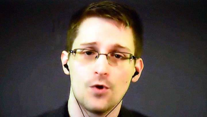 Сноуден: американская разведка хотела добраться до каждого мобильника