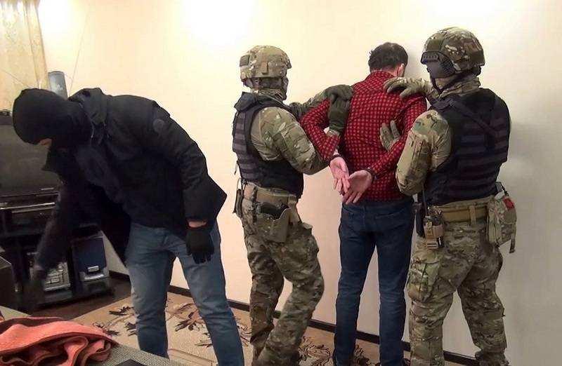 В Севастополе ФСБ накрыла подпольную мастерскую оружия и склад взрывчатки