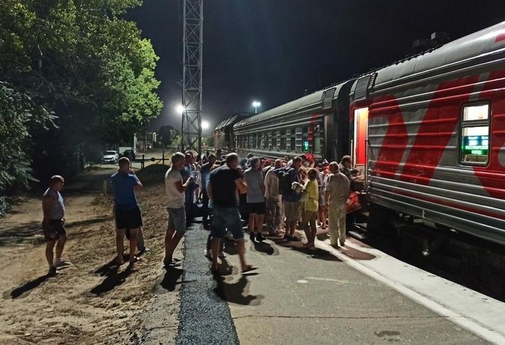 Первый за 23 года пассажирский поезд из Волгодонска пошёл в Москву и Санкт-Петербург