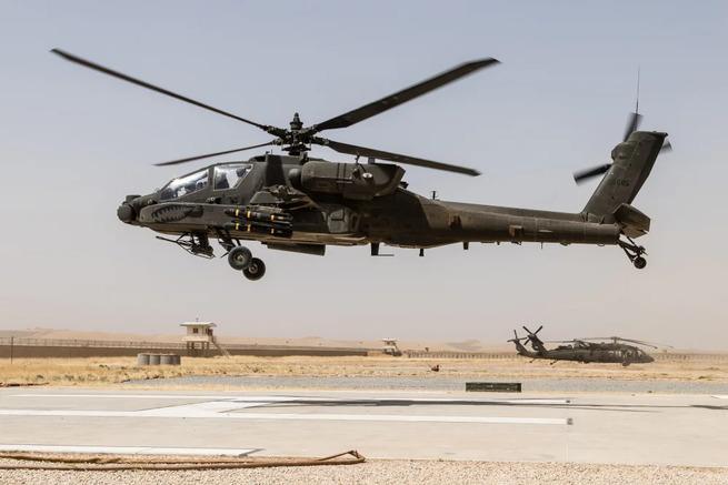 В Сирии российская система РЭБ посадила вертолет США AH-64 Apache