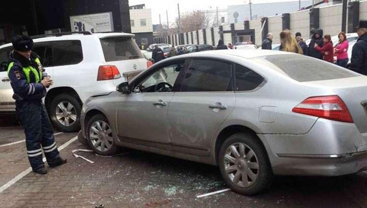 Лихач устроил погром во дворе бизнес-центра в Москве